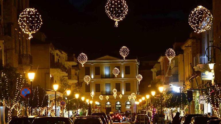 Φαντασμαγορική έναρξη των χριστουγεννιάτικων εκδηλώσεων στο Ναύπλιο