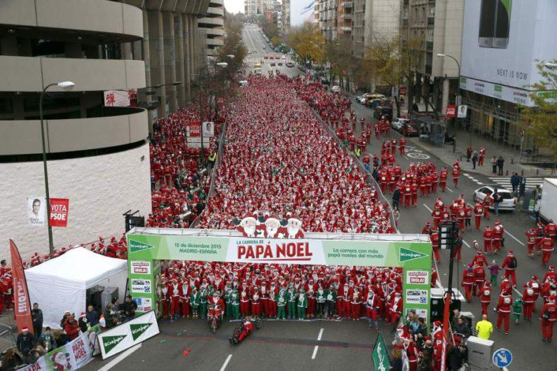 Χιλιάδες Αγιοβασίληδες στους δρόμους της Μαδρίτης έτρεξαν για τους ασθενείς με καρκίνο
