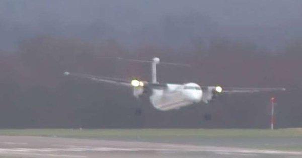 Γερμανία: Η επεισοδιακή προσγείωση αεροσκάφους κόντρα στη μανία της «Φρειδερίκης»