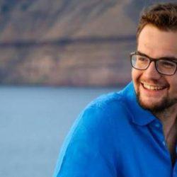 Ο 24χρονος Έλληνας που πουλάει φύκια αλλά όχι για ...κορδέλες