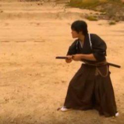 Ο απίστευτος Σαμουράι που έκοψε με το σπαθί του κινούμενη σφαίρα! Εκπληκτικό βίντεο!