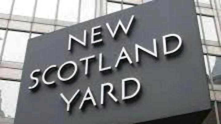 Πρωτοχρονιάτικο θρίλερ στο Λονδίνο: Τέσσερις νεκροί από επιθέσεις με μαχαίρι