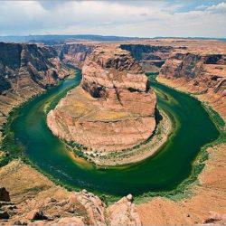 Τα πιο παράξενα σχηματισμένα ποτάμια και λίμνες