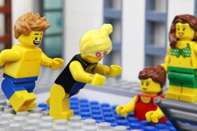 Η LEGO ψάχνει για επαγγελματία κατασκευαστή με μισθό 30.000 ευρώ
