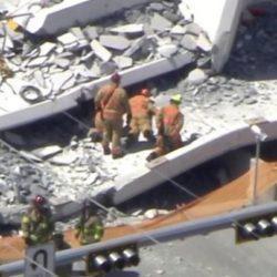 Kατέρρευσε πεζογέφυρα στο Μαϊάμι - Πληροφορίες για νεκρούς