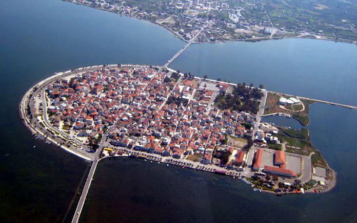 Drone πάνω από το Αιτωλικό: Μια «πλωτή» πόλη καταμεσής της λιμνοθάλασσας του Μεσολογγίου