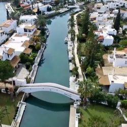 Το Miami της Ελλάδας απέχει μόλις 2 ώρες από την Αθήνα και έφτασε η ώρα να το ανακαλύψεις