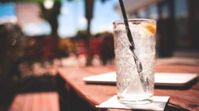 Πόσο «υγιεινά» είναι τα αναψυκτικά διαίτης; Οι επιστήμονες έχουν πολλές ενστάσεις για τα υποκατάστατα της ζάχαρης