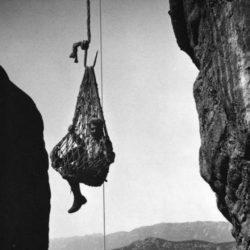 Ανάβαση στα Μετέωρα με το …τσιγκέλι! (φωτογραφίες Φρεντ Μπουασονά)