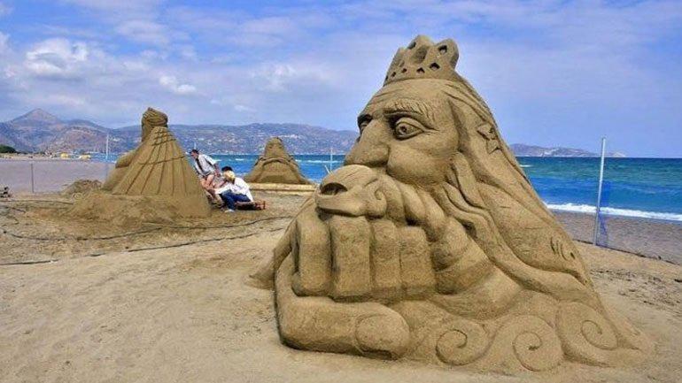 Κρήτη: Εντυπωσιακά έργα από άμμο στο 3ο Φεστιβάλ Γλυπτικής