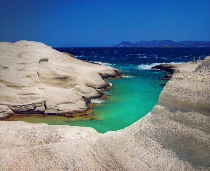 Σαρακήνικο: Η ελληνική πανέμορφη παραλία που είναι το πιο φωτογραφημένο τοπίο του Αιγαίου