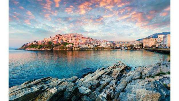 Φωτογραφικό ταξίδι σε δέκα πανέμορφες παραθαλάσσιες πόλεις της Ελλάδας