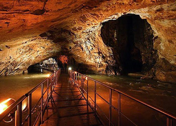 Σπήλαιο Πηγών Αγγίτη…Ένα Μαγευτικό Υπόγειο Ποτάμι