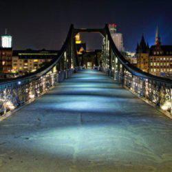 Η γέφυρα της Φρανκφούρτης που… μιλάει αρχαία ελληνικά