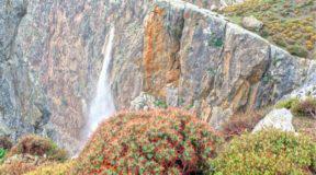 Αμπάς: Ο καταρράκτης της νότιας Κρήτης με ύψος 145 μέτρων προκαλεί δέος (Βίντεο)