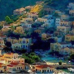 Σύμη: Το μικροσκοπικό νησί που θυμίζει.. πίνακα ζωγραφικής