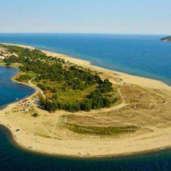 Κεραμωτή Καβάλας:Το ελληνικό χωριό όλο παραλία που μπαίνει ένα χιλιόμετρο στη θάλασσα