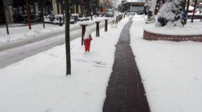 Στο Καρπενήσι υπάρχουν θερμαινόμενα πεζοδρόμια που καθαρίζουν μόνα τους από το χιόνι