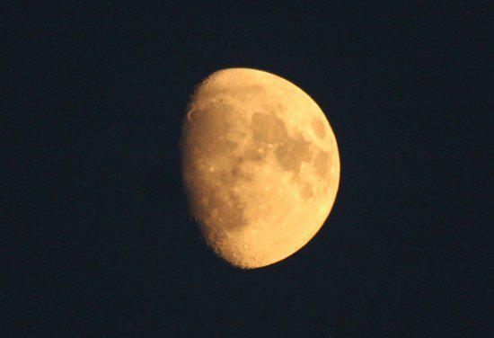 10+1 πράγματα που δεν ήξερες για το φεγγάρι