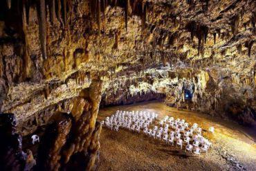 Δρογκαράτη: Το ελληνικό σπήλαιο όπου γίνονται συναυλίες 60 μέτρα κάτω από τη γη!!