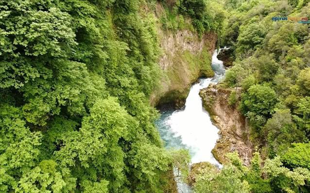 Καταρράκτης Ιωαννίνων: Ένα από τα πιο όμορφα χωριά της Ηπείρου